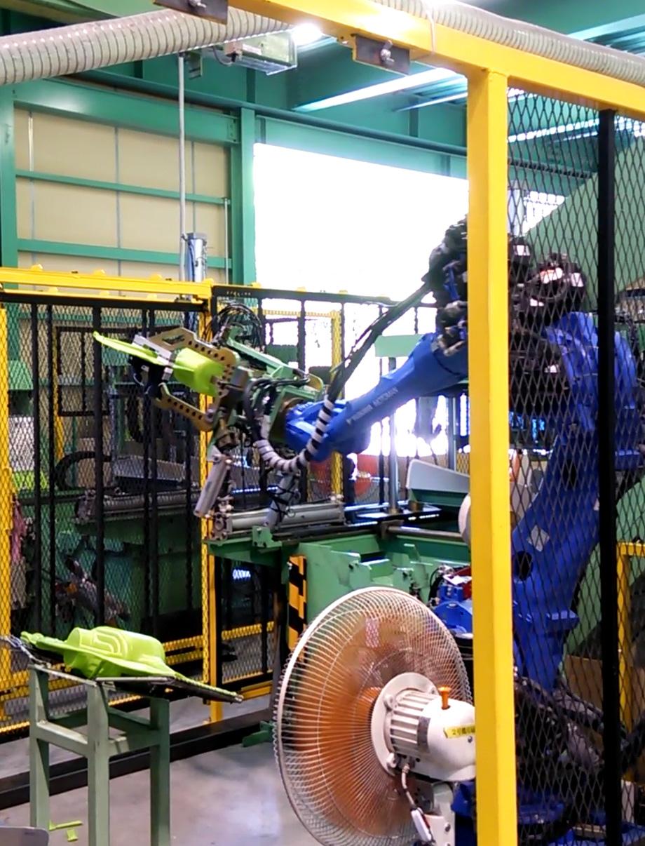 インジェクション及びブロー成型  液体充填加工